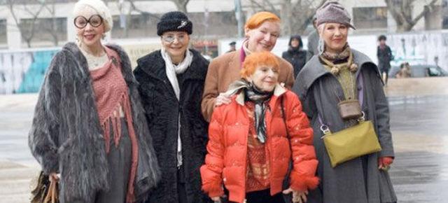 Помощь малоимущим в Санкт-Петербурге (СПб) в 2020 году - семьям, пенсионерам, благотворительные организации
