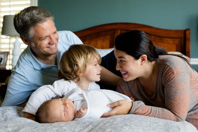 Выплаты молодым семьям до 30 лет в 2020 году - при рождении ребенка, для погашения ипотеки