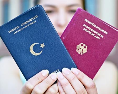 Гражданство в Голландии в 2020 году - по рождению, двойное, для россиян, как оформить, браку