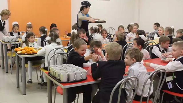 Бесплатные обеды в школе для малообеспеченных в 2020 году - детей