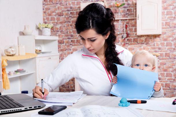 Считается ли мать-одиночка малоимущей семьей в 2020 году - если она не работает, является, Москве