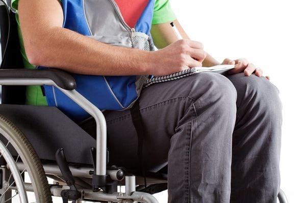 Работа для инвалидов 2 группы в 2020 году - в Москве, может ли работать по общему заболеванию, в СПб