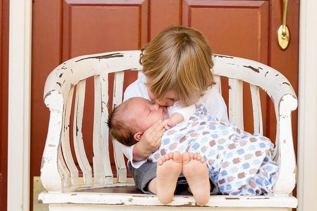 Как рассчитывается больничный в 2020 году - по беременности и родам, уходу за ребенком, скачать, образец заполнения, пример, МРОТ, после декрета