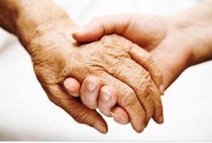 Социальная помощь на дому пожилым людям в 2020 году - СПб, Москве