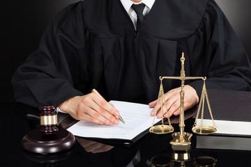 Ходатайство о наложении обеспечительных мер в 2020 году - гражданском процессе, арбитражном