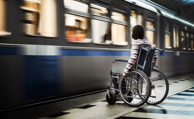 Транспортные льготы детям-инвалидам в 2020 году - налог, родителям, что положено