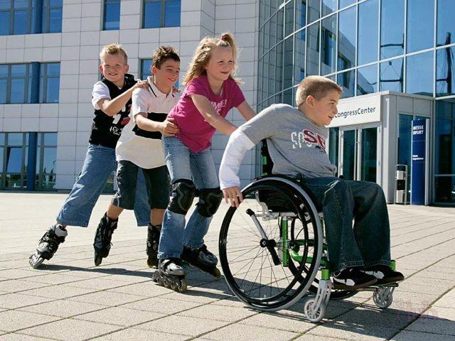Льготы опекунам инвалидов в 2020 году - недееспособных, 1 группы, 2, какие имеет, с детства, на работе